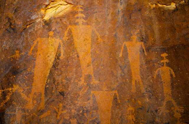Petroglyph-in-McElmo-Canyon-3