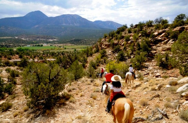 Horseback Riding in Sand Canyon