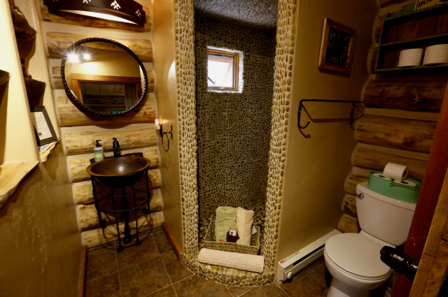 Cowboy Cabin - bathroom