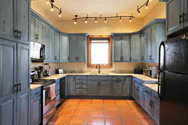 Ranch House - Kitchen