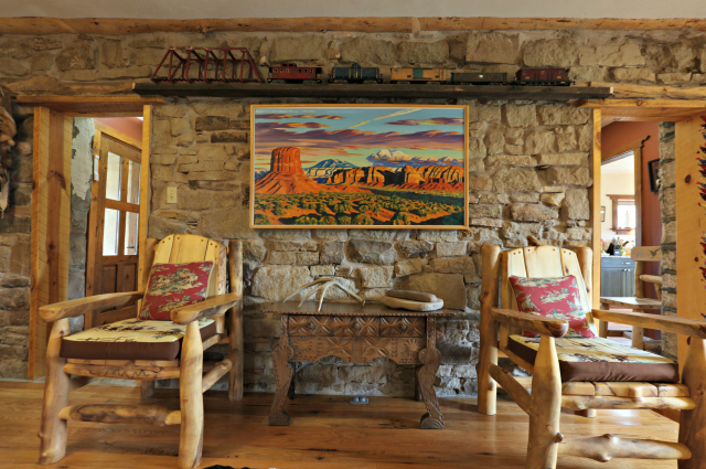 Stone House - Living room (train)