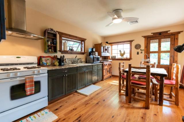 Stone-kitchen